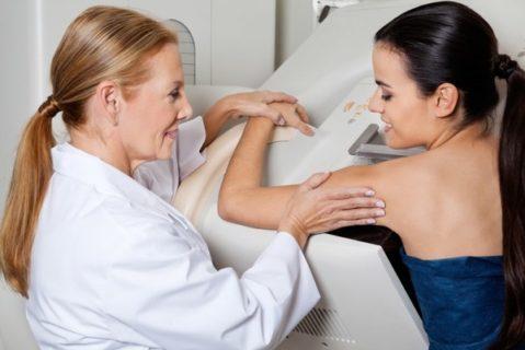 Врач рекомендует маммографию