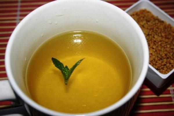Zheltyiy chay iz shambalyi (pazhitnika)