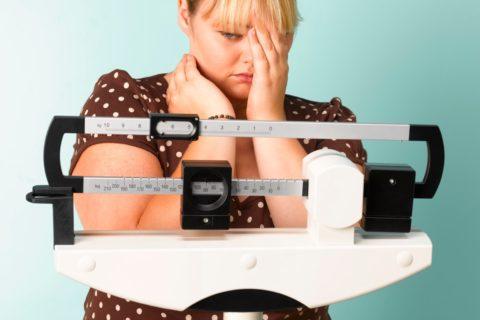 избыточный вес - одна из причин протоковой кисты