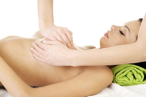 Процесс массажа груди